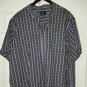 Men's button up collared shirt